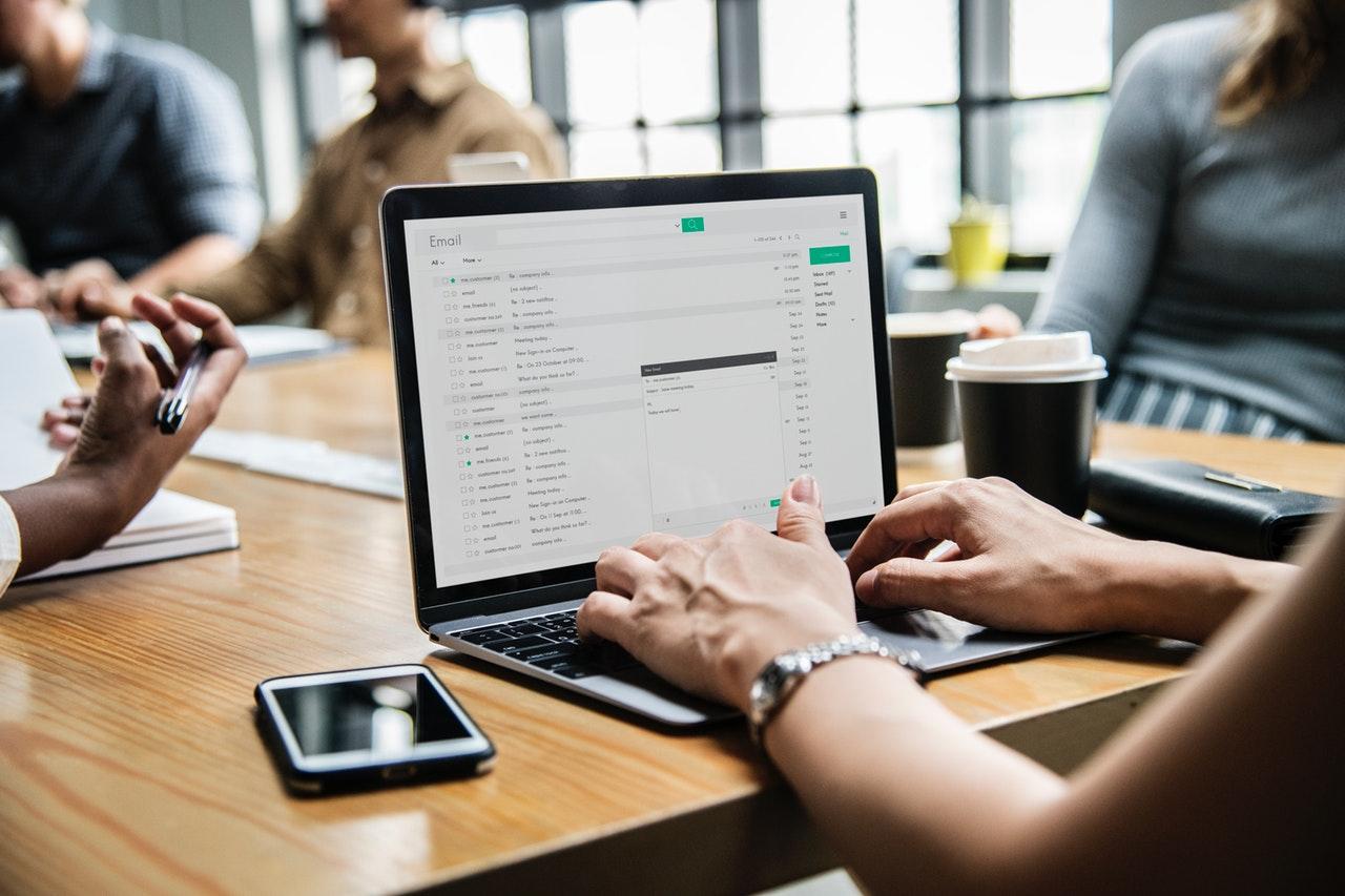 Kunne du bruge computerhjælp til virksomheden?